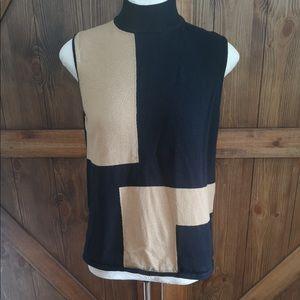 5/$25 Black sleeveless turtleneck with beige top